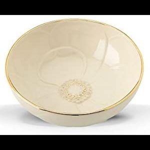 Lenox nesting bowl